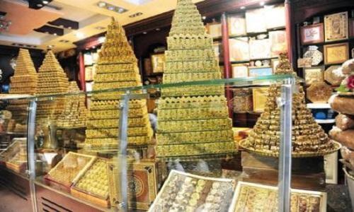 """صورة إغلاق حلويات """"أنس"""" في الميدان بدمشق"""