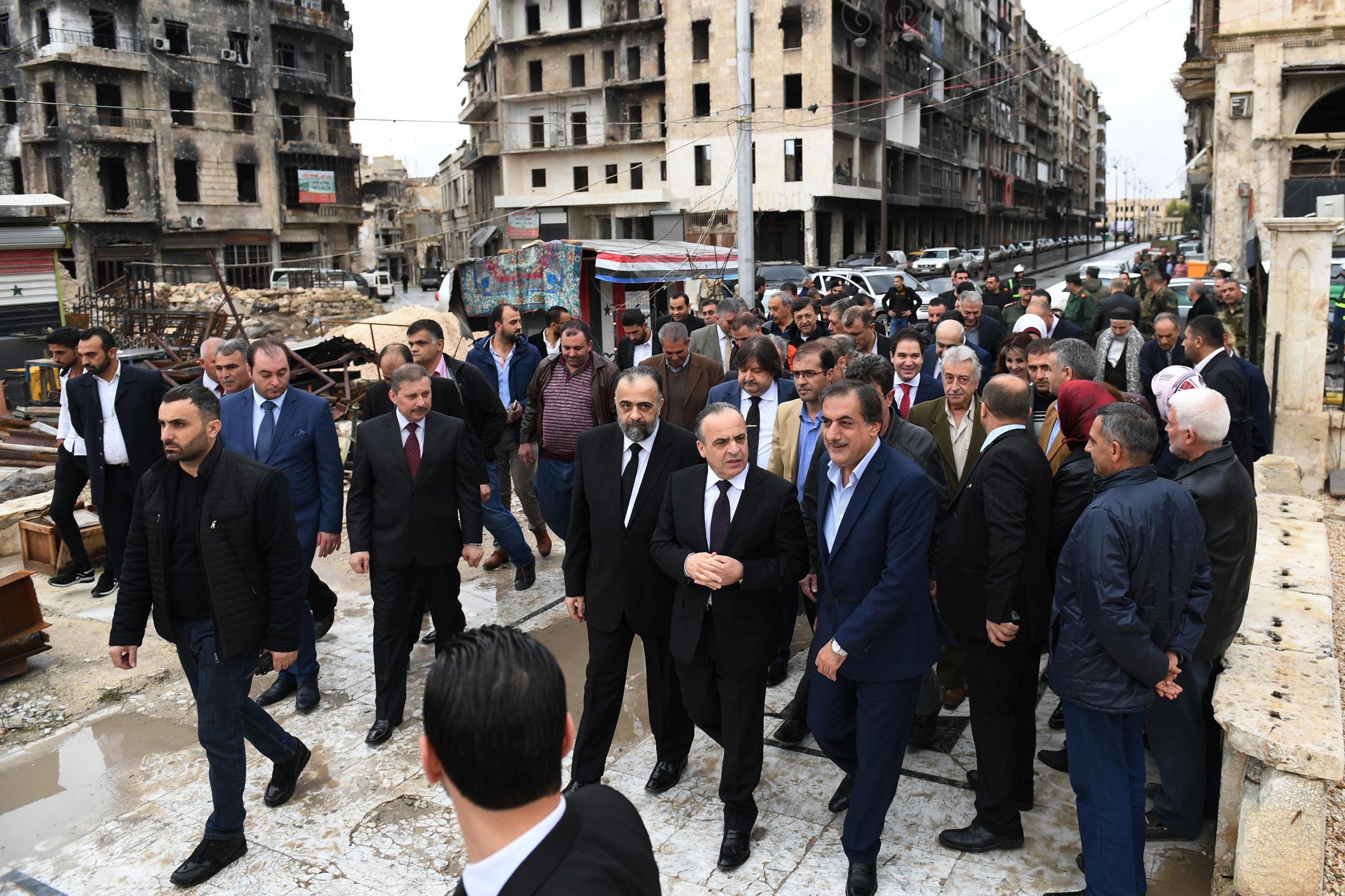 Photo of مناخ إيجابي في حلب بعد زيارة الحكومة