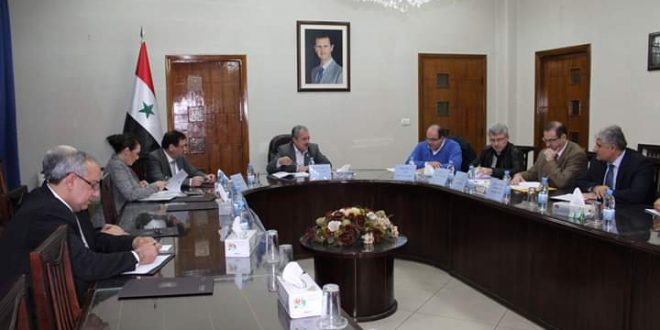 """Photo of """"لجنة إصلاح القطاع العام"""" تتبنى مقترحات هيئة تخطيط الدولة"""