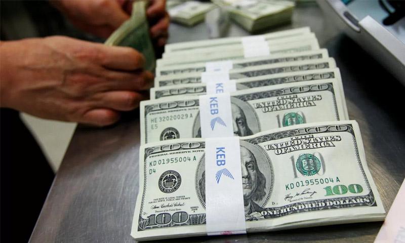 Photo of هدوء نسبي في سوق الصرف.. والدولار دون 500 ليرة