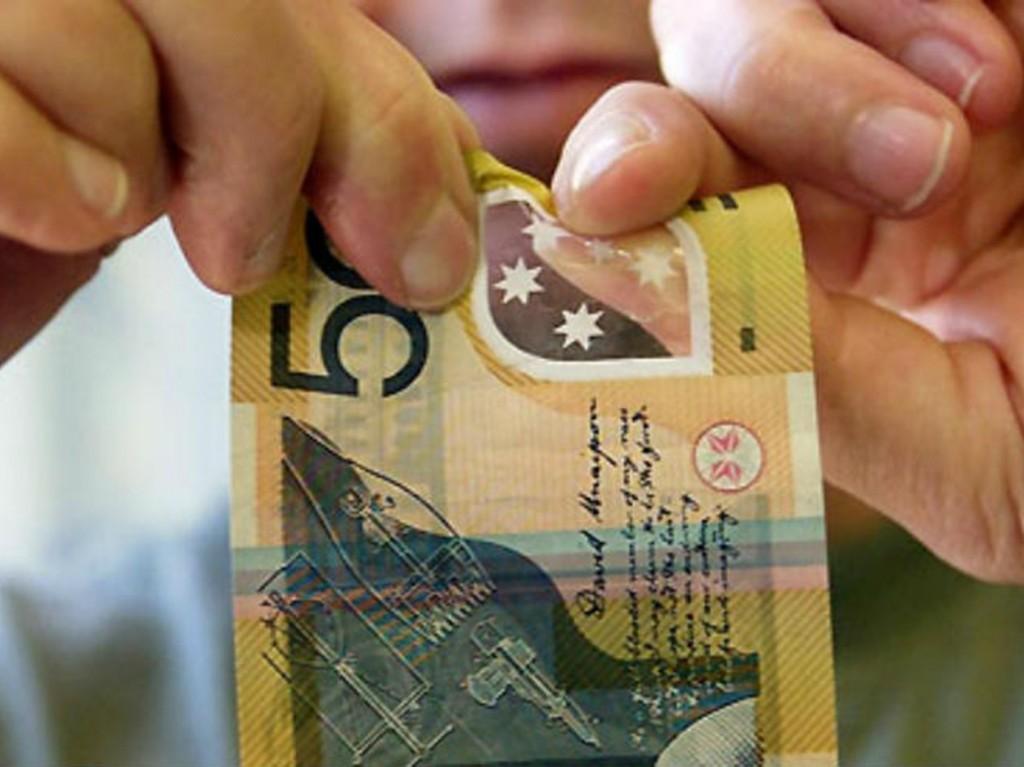 Photo of الأولى عربياً.. مصر تنتج نقود بلاستيكية