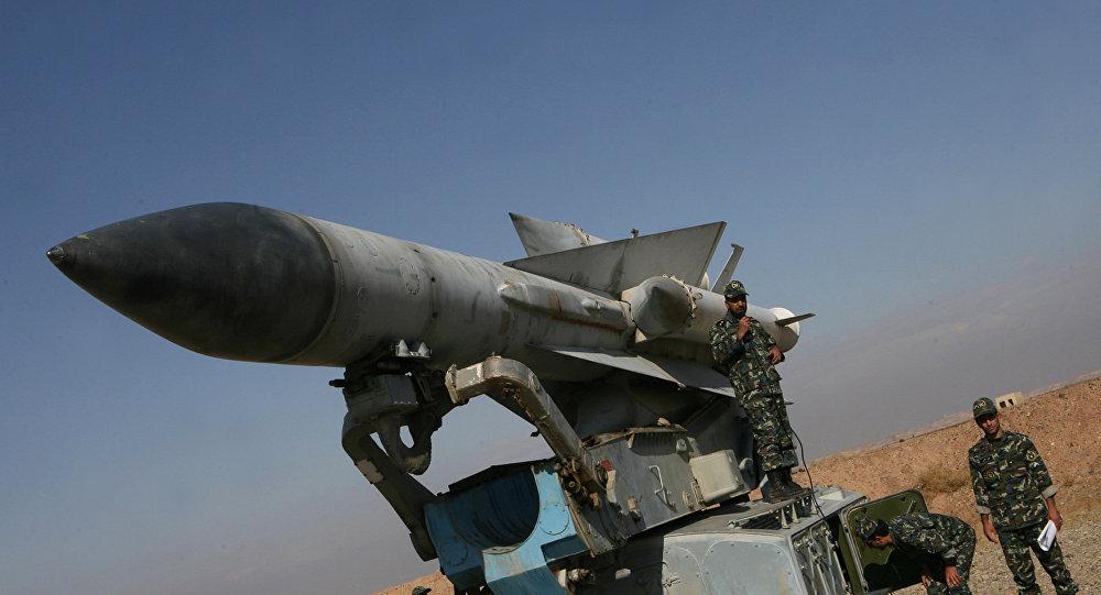 Photo of الدفاعات الجوية السورية تتصدى لأهداف معادية في سماء ريف دمشق الغربي