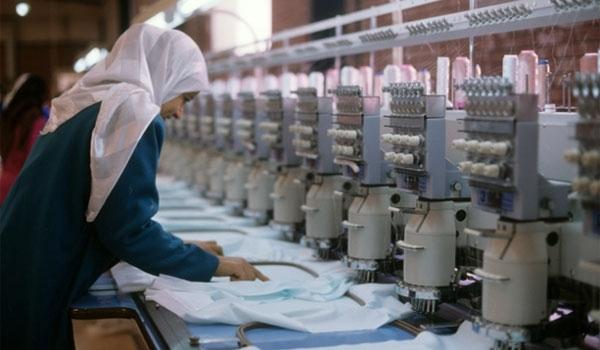 """Photo of """"الصناعة"""" تدرس إنشاء مجمع لمعامل النسيج والألبسة في حلب"""
