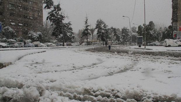 Photo of منخفض قطبي يؤثر على سورية بأمطار عامة وثلوج