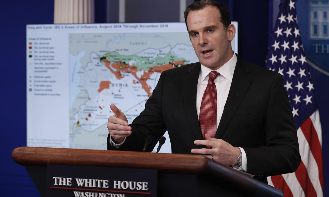 Photo of بعد وزير الدفاع.. المبعوث الأمريكي للتحالف الدولي يعلن استقالته