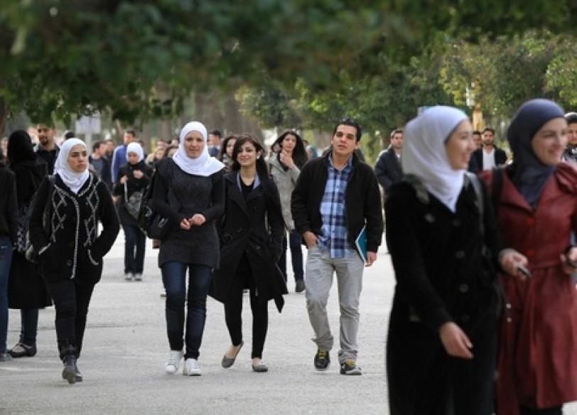 Photo of قرار يعيد مئات الطلاب المفصولين إلى جامعاتهم الخاصة