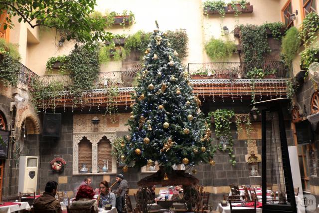 Photo of شجرة الميلاد بـ285 ألف ليرة في أسواق دمشق!