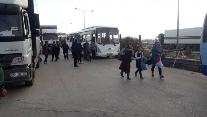 Photo of 40 ألف مهجر من ريف دمشق عادوا إلى مناطقهم من خارج البلاد