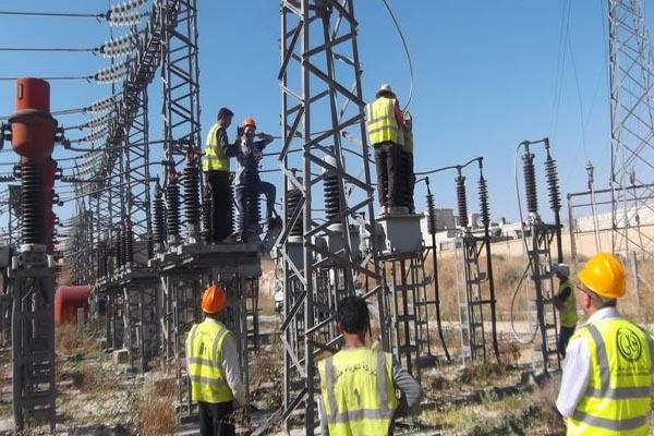 Photo of خربوطلي: هذا العام الكهرباء ستصل ريف حلب الشرقي والرقة المحررين
