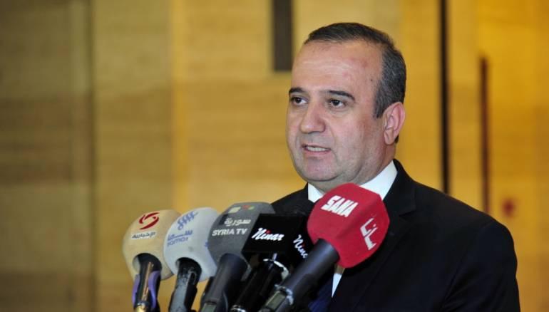 Photo of مخلوف: إعادة كل سوري إلى منزله معززاً مكرماً
