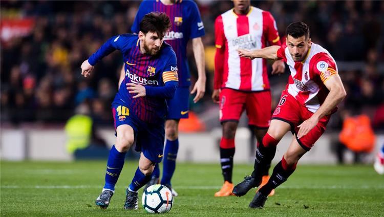 Photo of برشلونة يهزم جاره الصغير ويواصل التحليق منفردا في صدارة الليغا