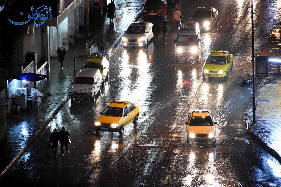 Photo of بالصور: أمطار غزيرة في دمشق.. وثلوج على المرتفعات
