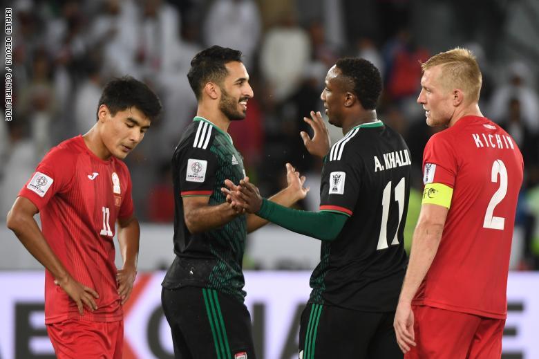 صورة الإمارات تنجو من فكي قرغيزستان وتلتحق بالمتأهلين إلى دور الثمانية