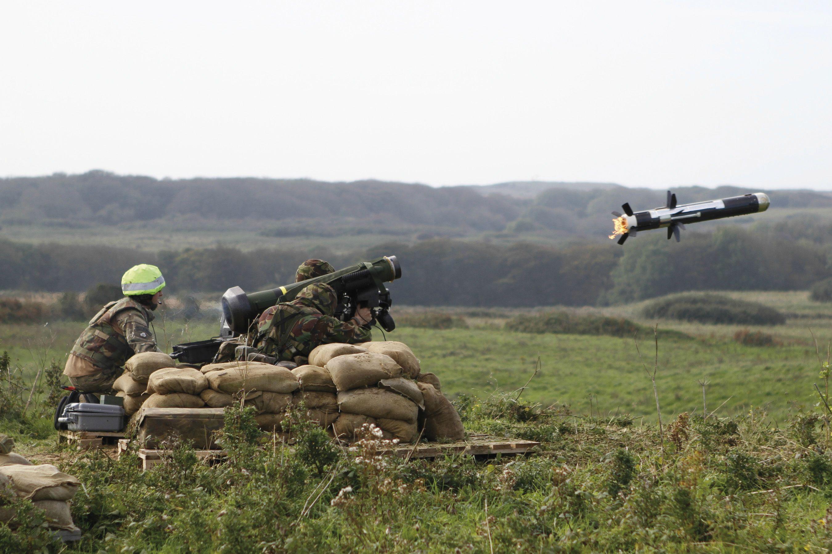 Photo of الوحدات الكردية تحصل على مساعدات عسكرية أمريكية جديدة