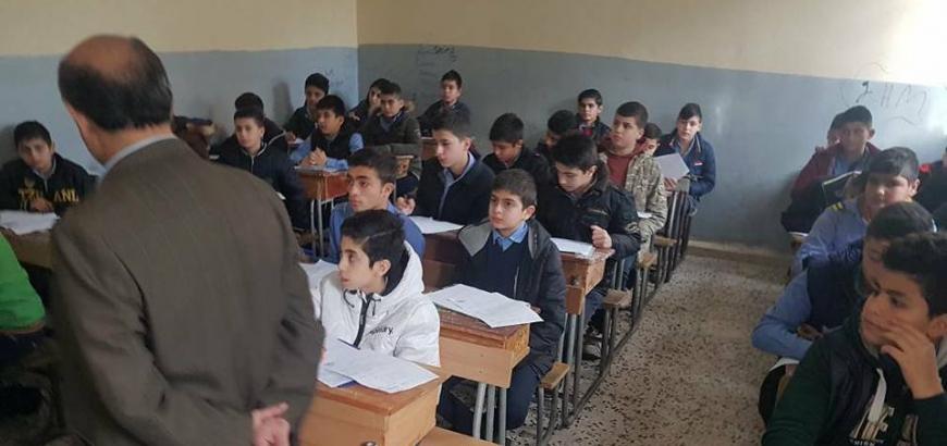 صورة زعل: لا نقبل أن يعمل المعلمون سائقي تكسي أو بائعي خضرة ويجب ممارسة مهنتهم كمدرسين