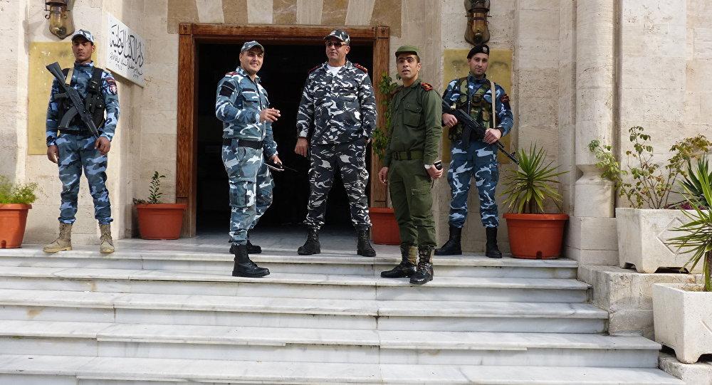"""Photo of """"الداخلية"""" تقبض على عصابة خطرة قتلت وخطفت العشرات"""