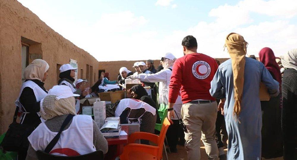 Photo of الهلال الأحمر العربي السوري ينفذ حملة تلقيح واسعة في مخيم الركبان