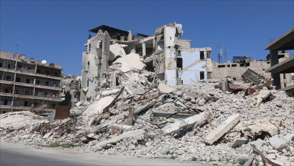 Photo of 4 آلاف عائلة مهددة بالخطر في حلب