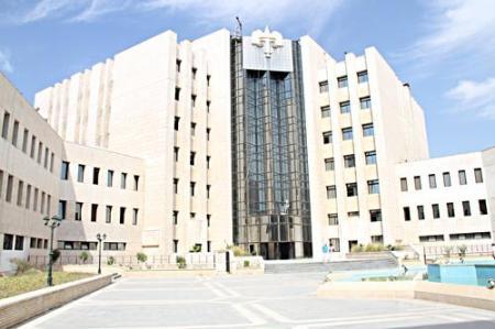 Photo of العكام: يجب أن يتمتع القضاة والمحامون بذات الحصانة