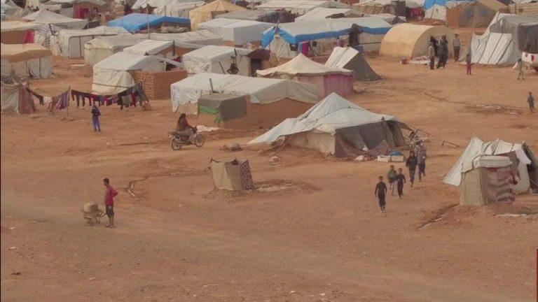 صورة الدفاع الروسية: الوضع في مخيم الركبان يستمر بالتدهور وأمريكا تحتجز اللاجئين فيه قسرا