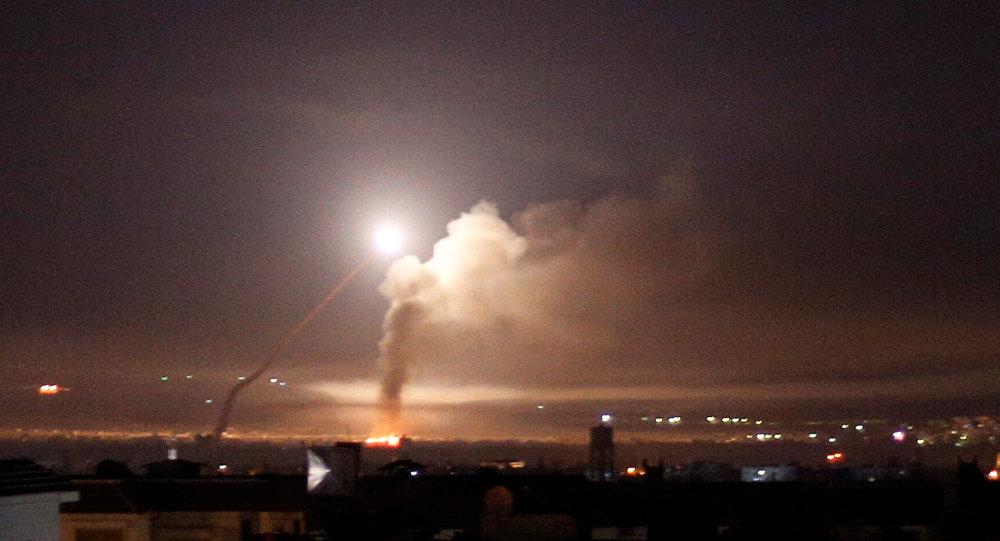 """Photo of عدوان """"إسرائيلي"""" على المنطقة الصناعية في حلب.. والدفاعات الجوية تتصدى"""