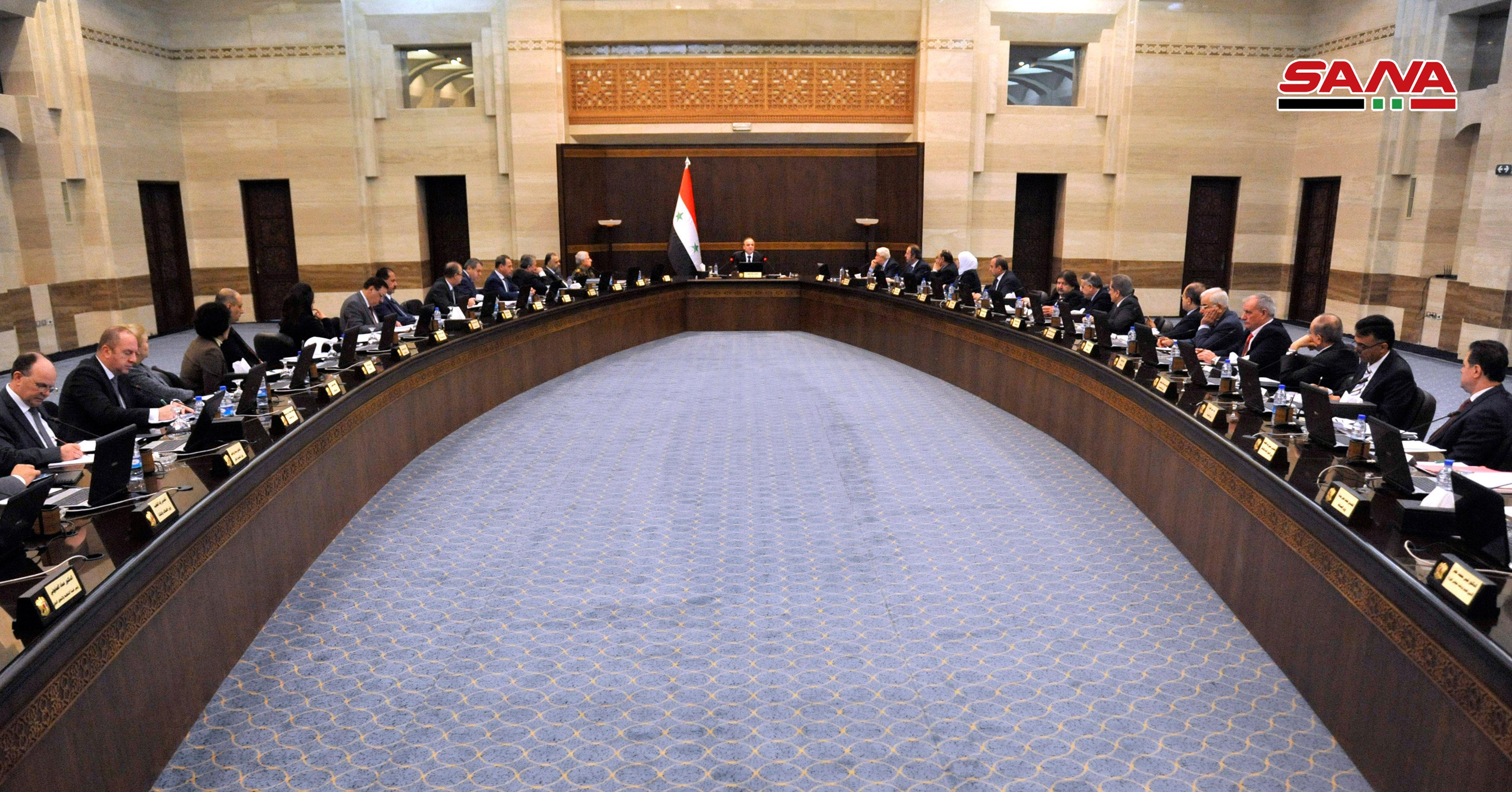 Photo of مجلس الوزراء يوافق على قائمة مستوردات الاقتصاد ويسمح باستيراد الحصادات الزراعية