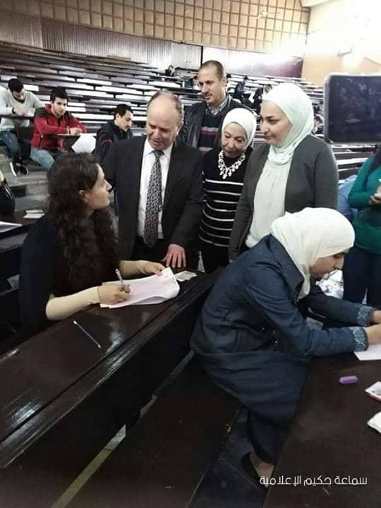 Photo of وزير التعليم العالي يتفقد مركز امتحان طب الأسنان الموحد