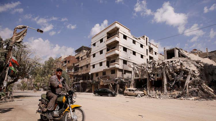 Photo of جزائري: عودة الأهالي لمخيم اليرموك مرهونة بسلامة المساكن