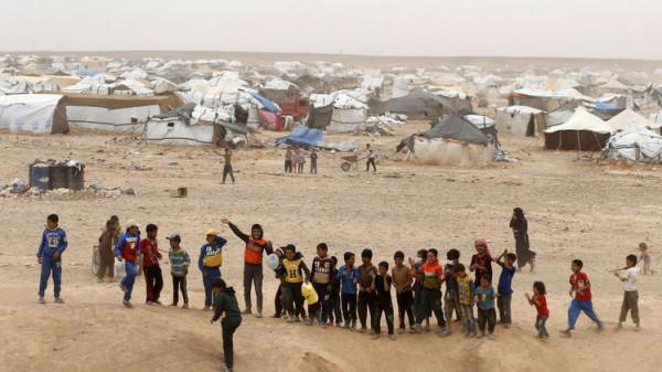 Photo of الدفاع الروسية: واشنطن تحتجز لاجئي مخيم الركبان وتمنع إجلاءهم