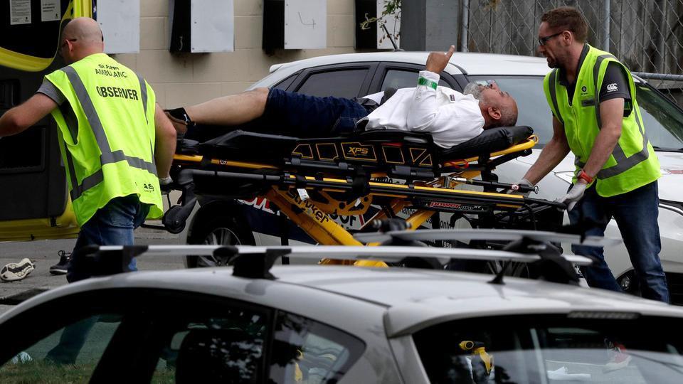 Photo of أكثر من 40 ضحية في هجوم على مساجد في نيوزيلندا .. والقاتل يصور مذبحته