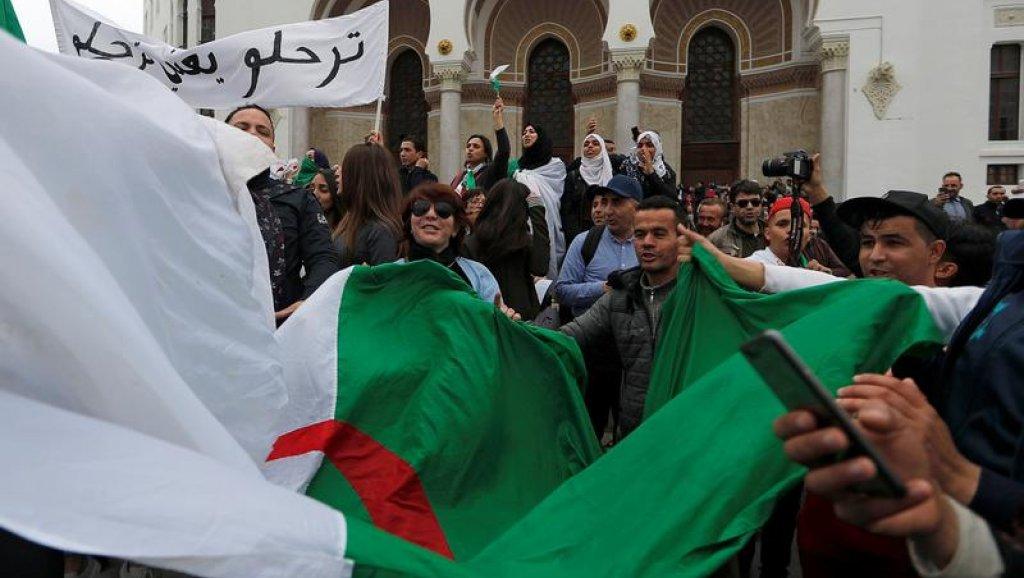 Photo of جبهة التحرير الوطني الجزائرية تحذر من دعوات العصيان المدني