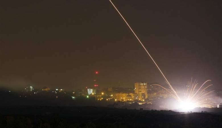 """Photo of صواريخ في سماء """"تل أبيب"""".. والاحتلال يرفع التأهب للدرجة القصوى"""