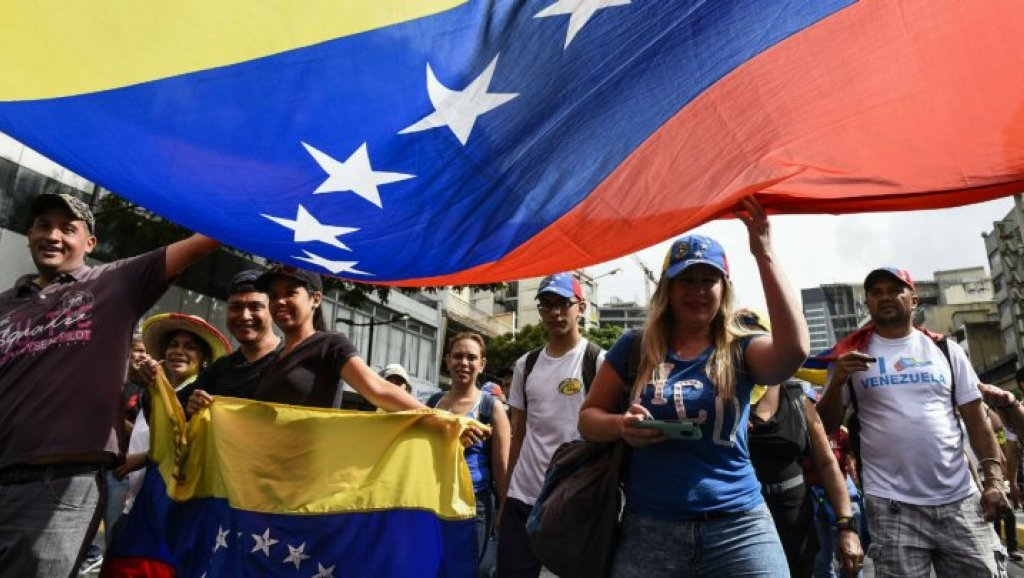"""Photo of نائبة مادورو: واشنطن فشلت في نقل """"الربيع العربي"""" إلى فنزويلا"""