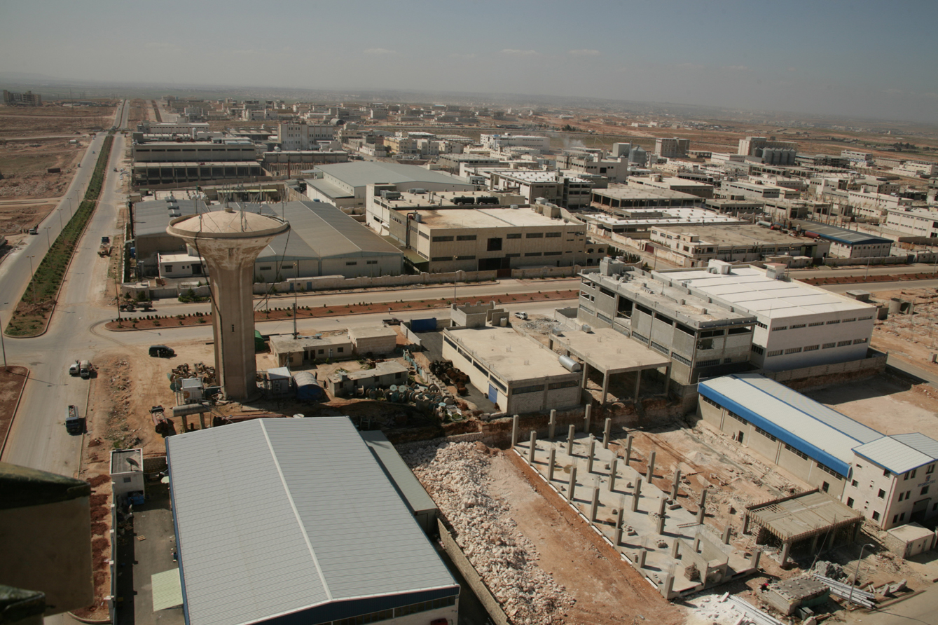 Photo of جهود حثيثة في حلب لإعادة إحياء منطقة القاطرجي الصناعية