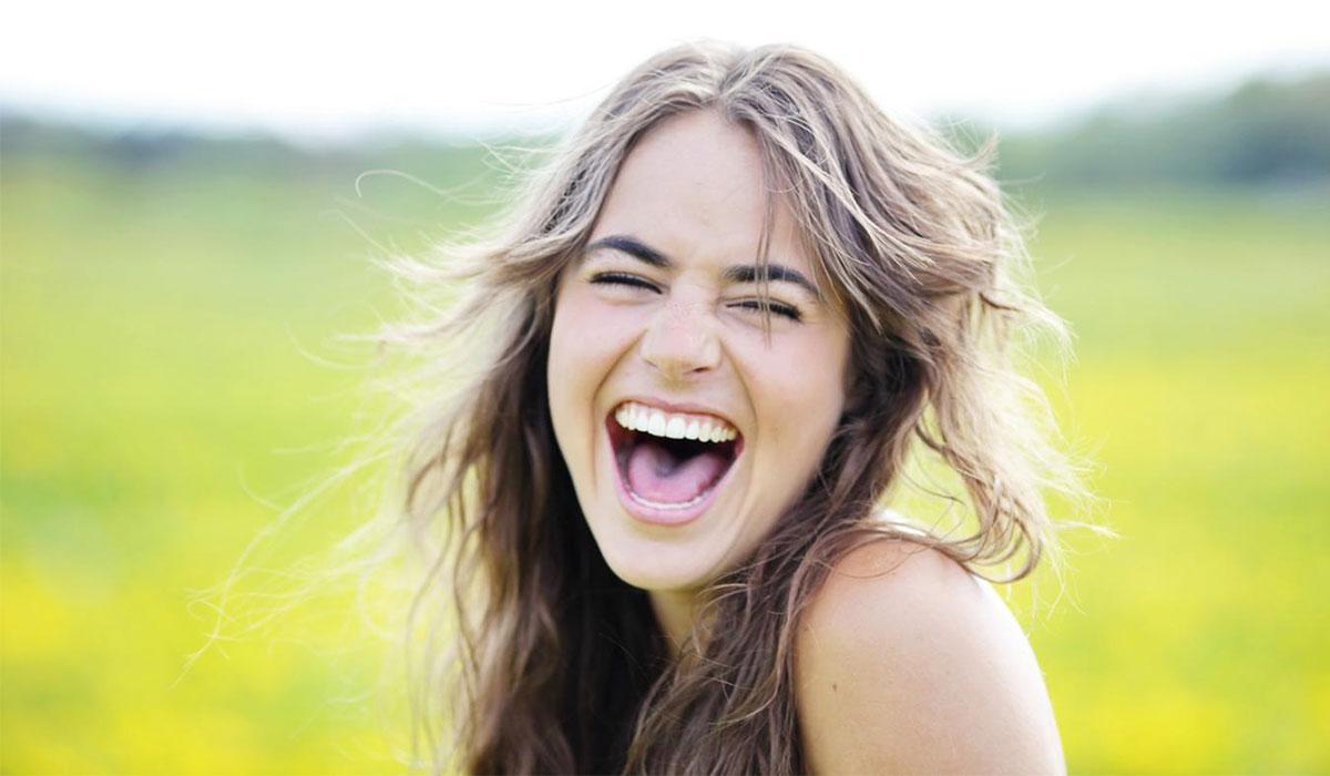Photo of هذا ما يحدث عندما تضحك 30 دقيقة في اليوم