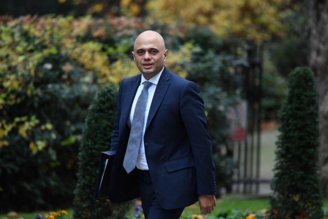 صورة وزير الداخلية ذو الأصول الباكستانية ينافس على رئاسة حكومة بريطانيا