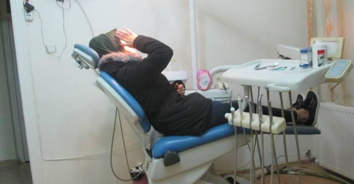 Photo of نقيب أطباء الأسنان: مخبريون يعملون أطباء أسنان في ريف دمشق!