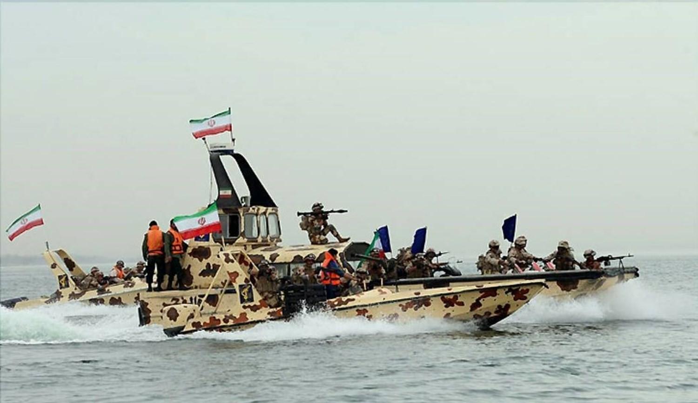 Photo of الجيش الإيراني: حضور الأمريكيين في مياه الخليج استعراضي ووصل إلى نهايته
