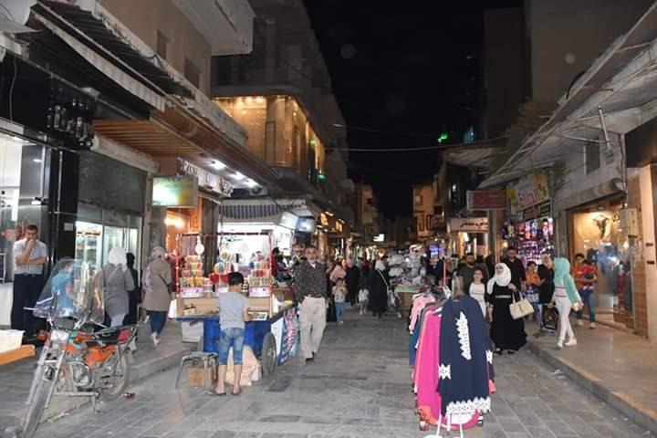 Photo of لأول مرة منذ 8 سنوات.. أسواق حماة تفتح ليلاً