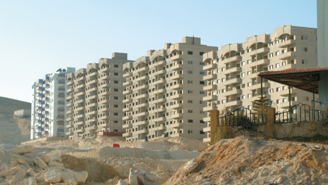 """Photo of """"الإسكان"""" تطلب من المصارف مقترحات لتمويل بناء 100 ألف شقة"""