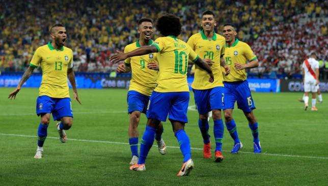 Photo of البرازيل وفنزويلا أول المتأهلين إلى ربع نهائي كوبا أميركا