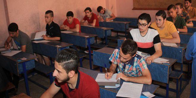 Photo of أكثر من 10 آلاف طالب وافد من ريفي حلب وحماة وإدلب والرقة
