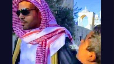 """صورة سلطات الاحتلال """"تحاكم"""" الطفل الفلسطيني الذي بصق في وجه المطبع السعودي"""