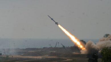 Photo of الجيش اليمني يشن أضخم هجوم صاروخي على السعودية