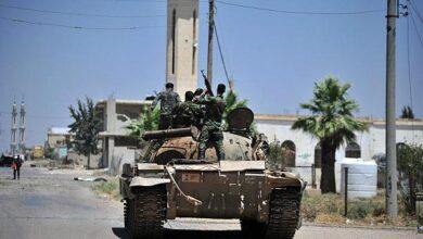 """Photo of الجيش يخوض اشتباكات مع """"النصرة"""" شرق التمانعة ويدمر لها دبابات ومفخخات"""