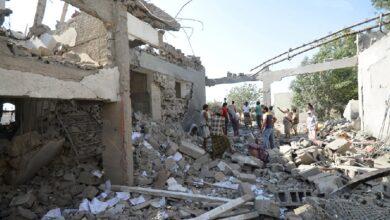 Photo of 60 قتيلا وعشرات الجرحى جراء قصف التحالف السعودي لسجن ذمار في اليمن