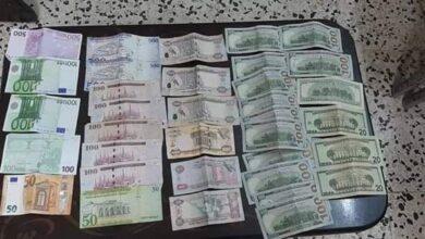 Photo of جنائية سلمية تقبض على عصابة سرقة واثنين من صرافي العملة بدون ترخيص