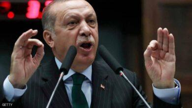صورة أردوغان يهدد الاتحاد الأوروبي بأمواج اللاجئين
