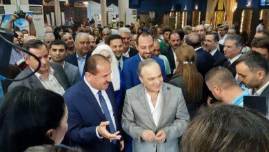 Photo of رئيس الحكومة يتجول في أجنحة معرض دمشق الدولي