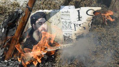 صورة البغدادي يفجر نفسه في إدلب بعد عملية إمريكية استهدفت منزله